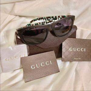 Gucci Marble Web Sunglasses & Case